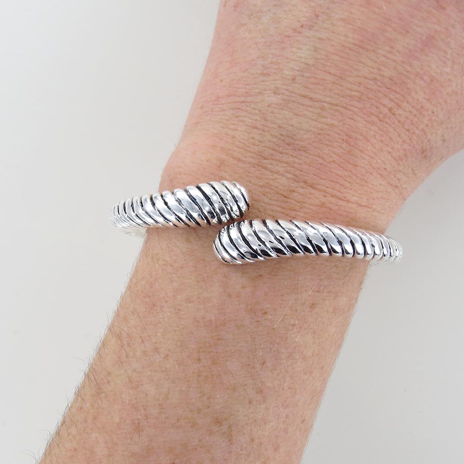 ELECTROFORM HINDGED CUFF TWISTED BRACELET