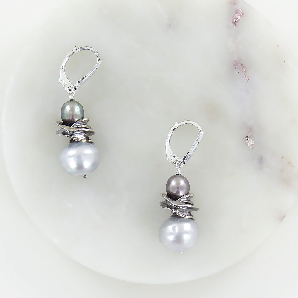 TWILIGHT PEACOCK PEARL EARRING