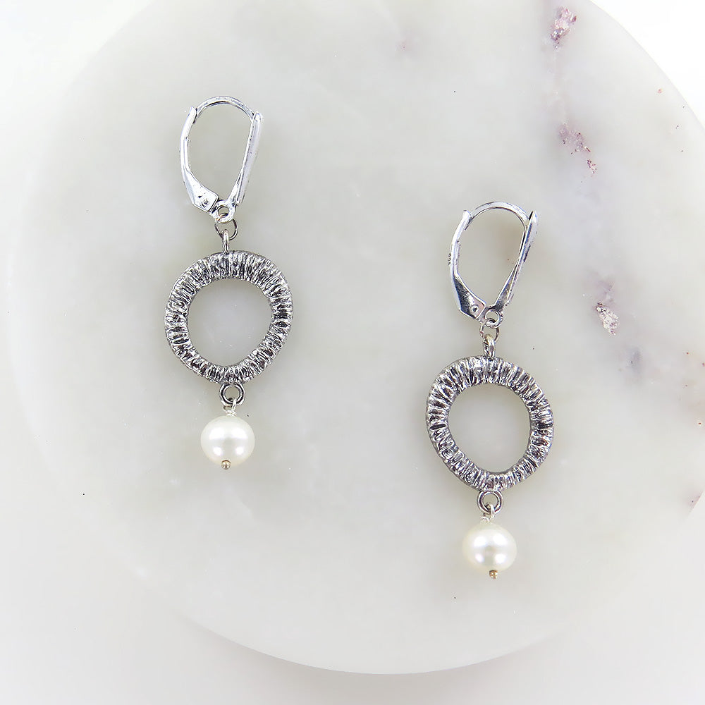 BRANCH WHITE PEARL EARRING