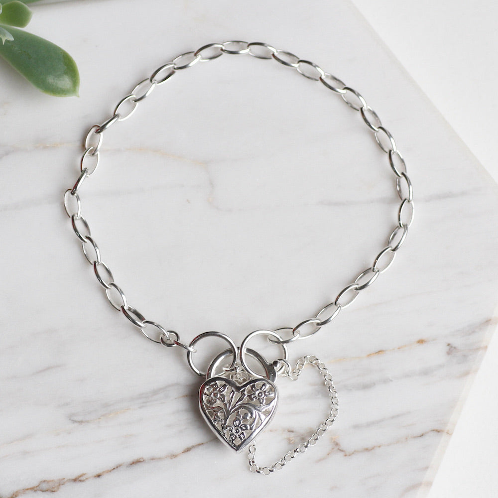Link Chain Bracelet with Filagree Heart Lock