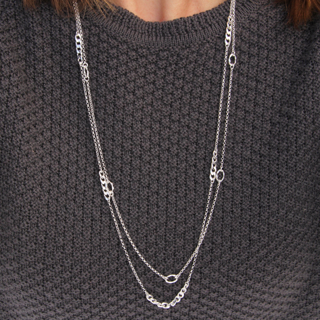 Long Chain with Hammered Oval Stations