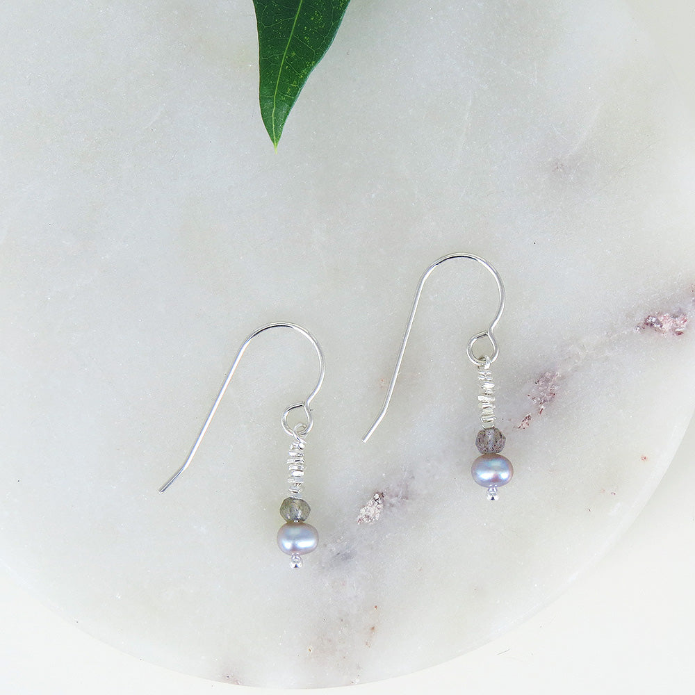 SIMPLE PEARL AND LABRADORITE DROP EARRING