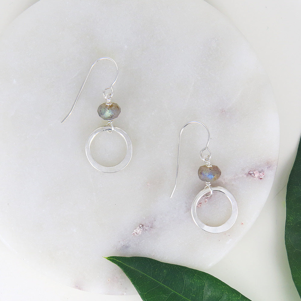 CIRCLE AND LABRADORITE EARRING