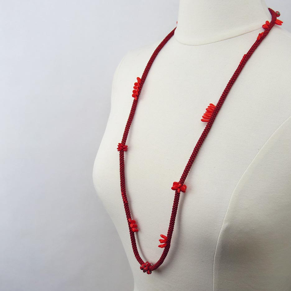 RED LONG MULTISTONE NECKLACE