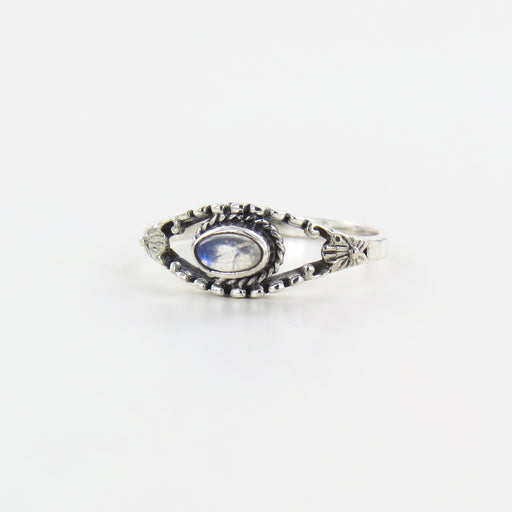 NEPALESE SILVER MOONSTONE RING
