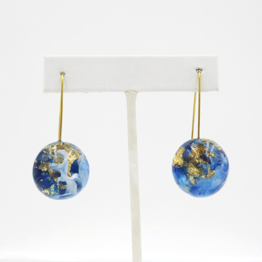 GOLD SPECKLED BLUE AND WHITE SPHERES EARRING