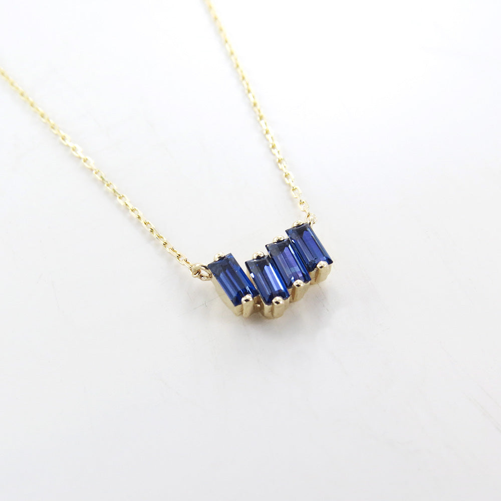 YELLOW GOLD ENGLISH BLUE TOPAZ NECKLACE