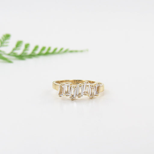 14K YELLOW GOLD WHITE TOPAZ RING