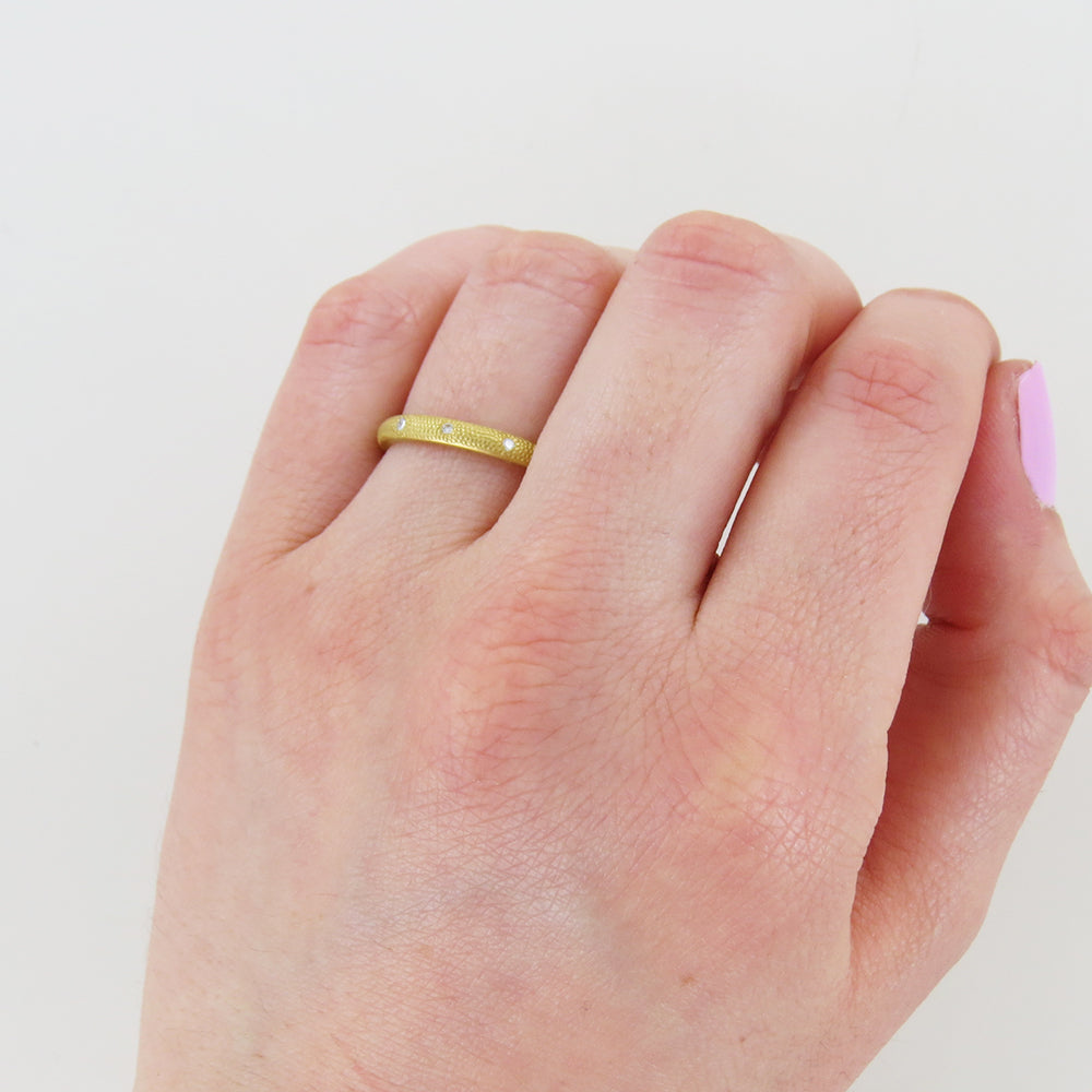SCATTERED STARDUST RING