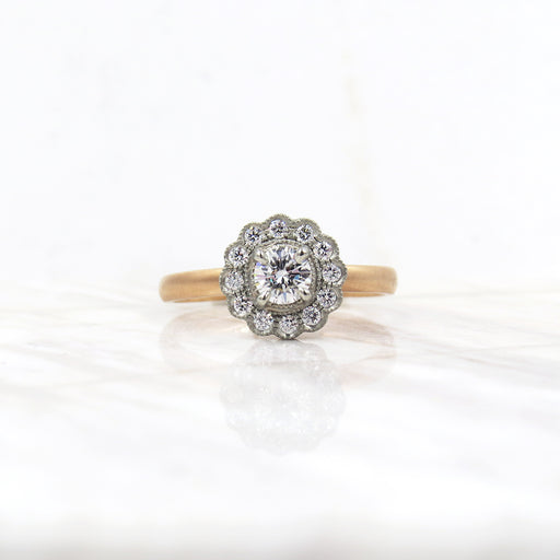 AVA SCALLOPED RING