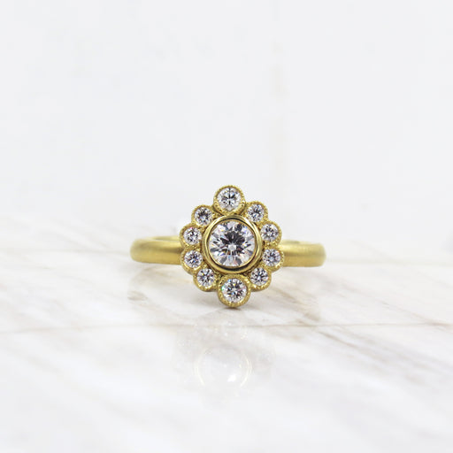 OLIVIA SCALLOPED YELLOW GOLD RING
