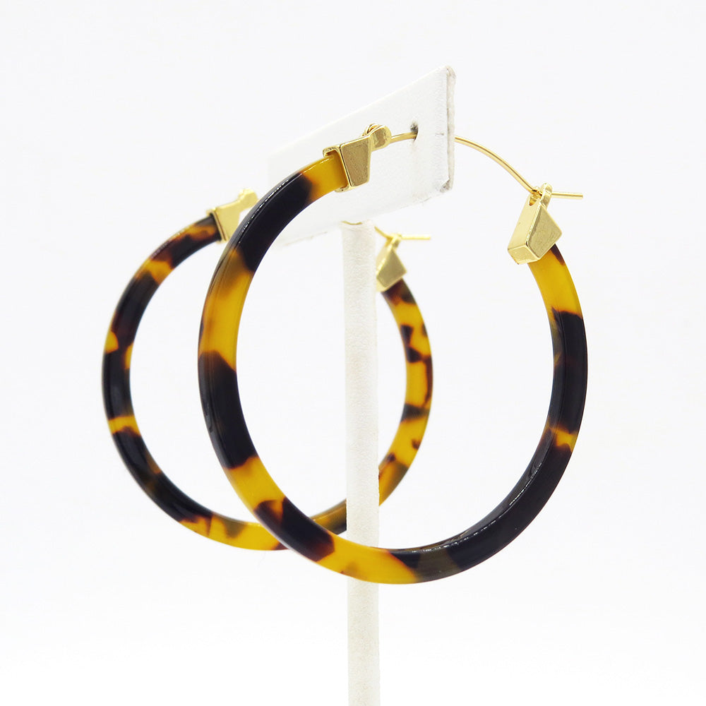 TORTOISE RESIN HOOP EARRING 50mm