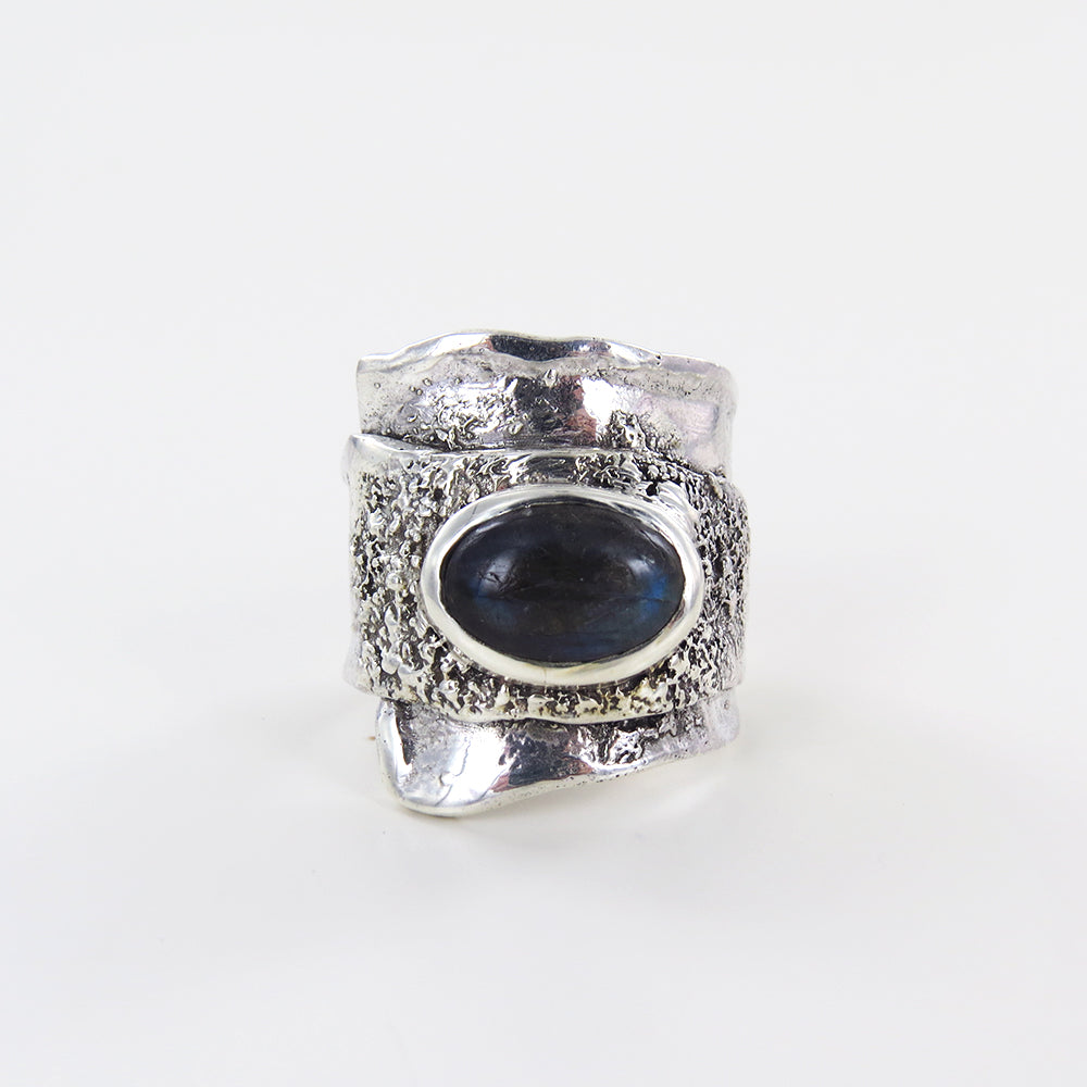 RETICULATED WRAP RING WITH LABRADORITE