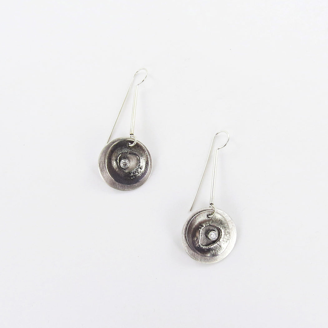 RETICULATED SILVER EARRING WITH CLEAR TOPAZ