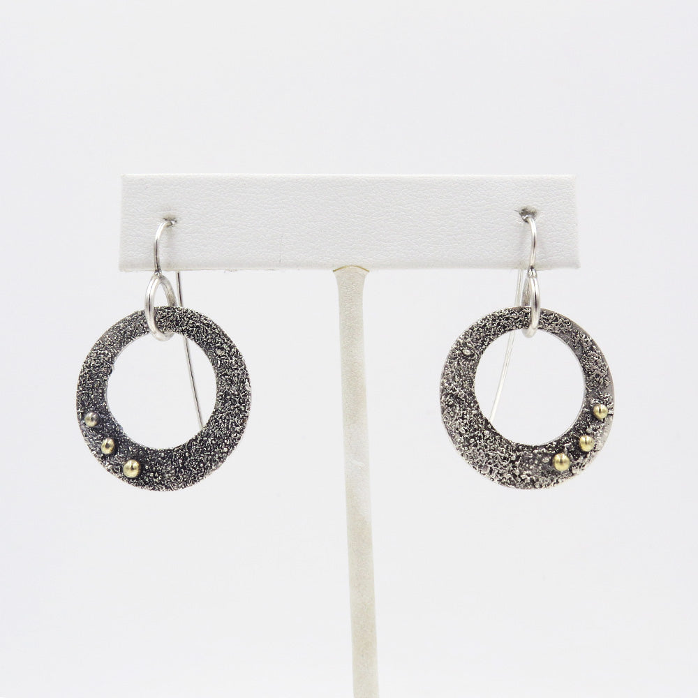 RETICULATED EARRING WITH GOLD DOTS