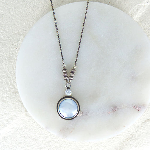 WHITE COIN PEARL NECKLACE