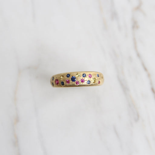 Tapered Multisapphire Band