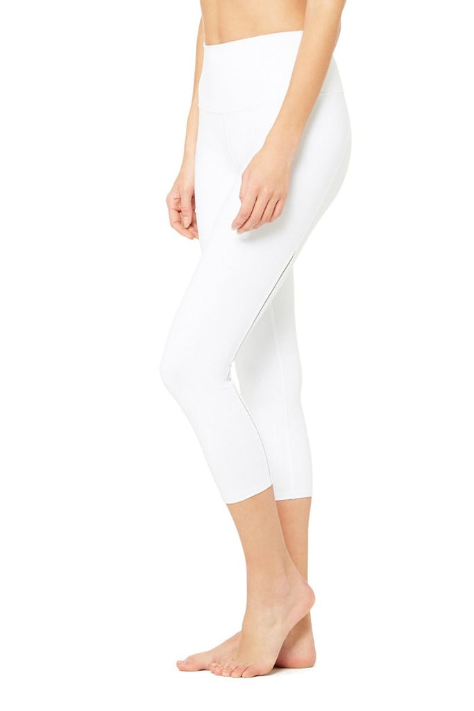 c2b850ab8e436 High-Waist Dash Capri | Women's Yoga Bottoms