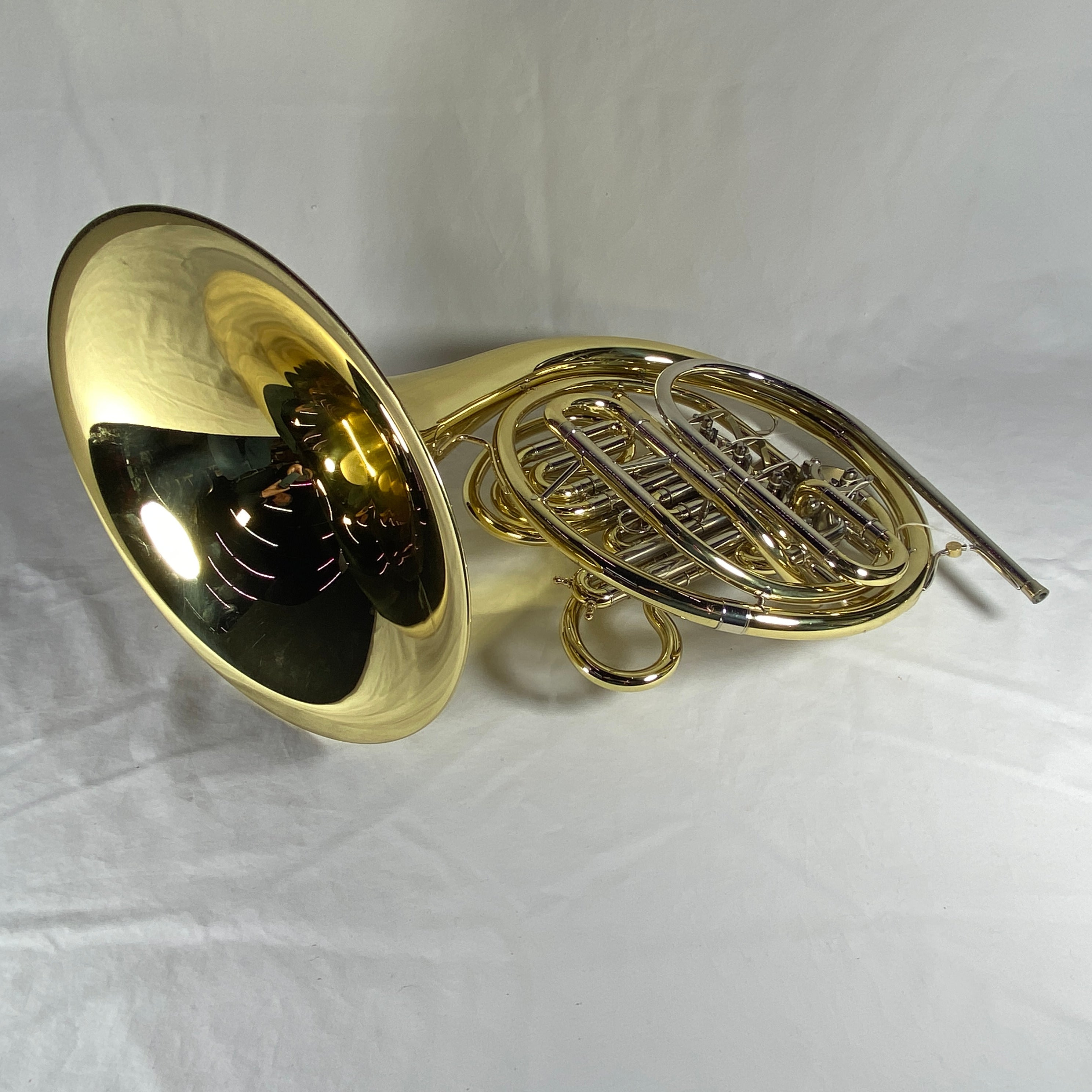 Holton H378 Intermediate Double French Horn with Lacquer Finish and Hard Case