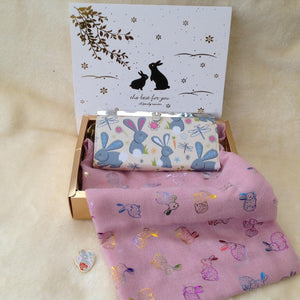 Ladies Scarf & Purse & Brooch Bunny Rabbits Gift Box