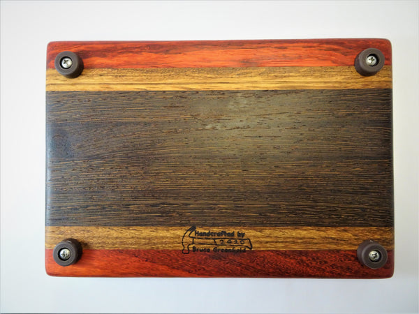 "Medium ""Pro Home Cooks"" Cutting Board"