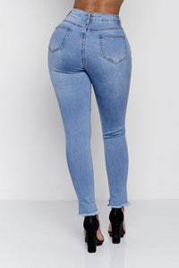 ELLA HIGH RISE JEANS | BLUE DENIM