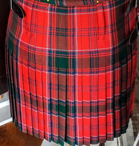 Custom Made Men's 8 yard Knife Pleated Kilt (M-Z) 13 oz.