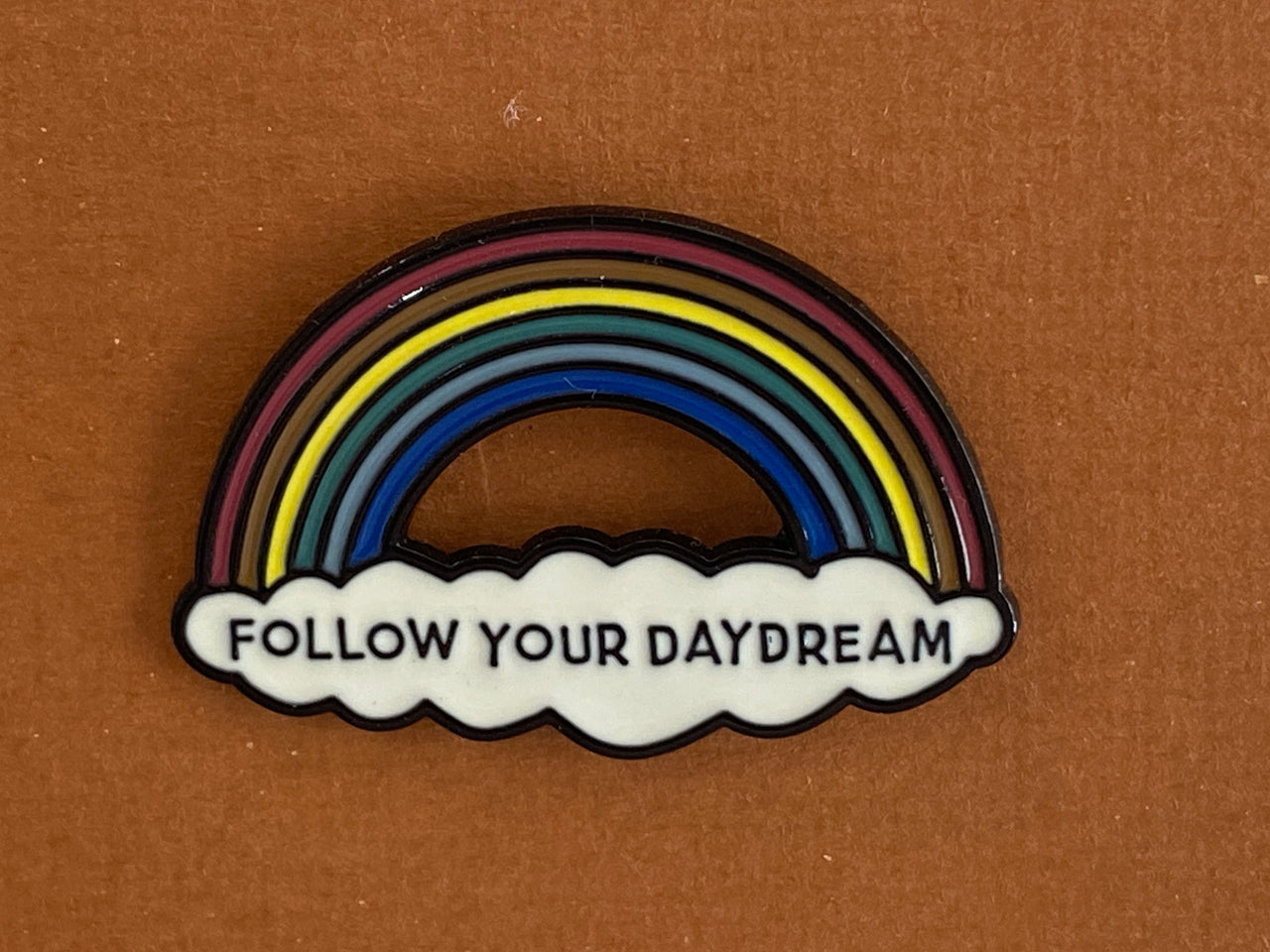 Enamel pin - Follow your daydreams