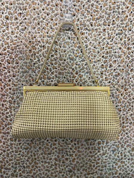 0967 - Vintage Glomesh bone evening bag
