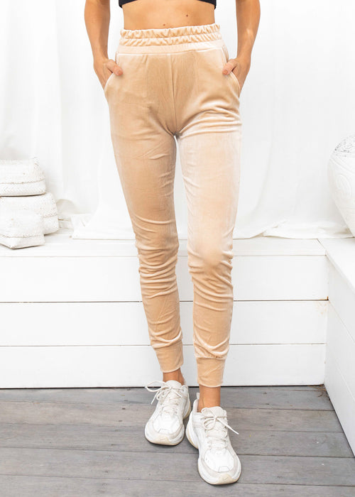 RISE AND RISE TRACK PANT