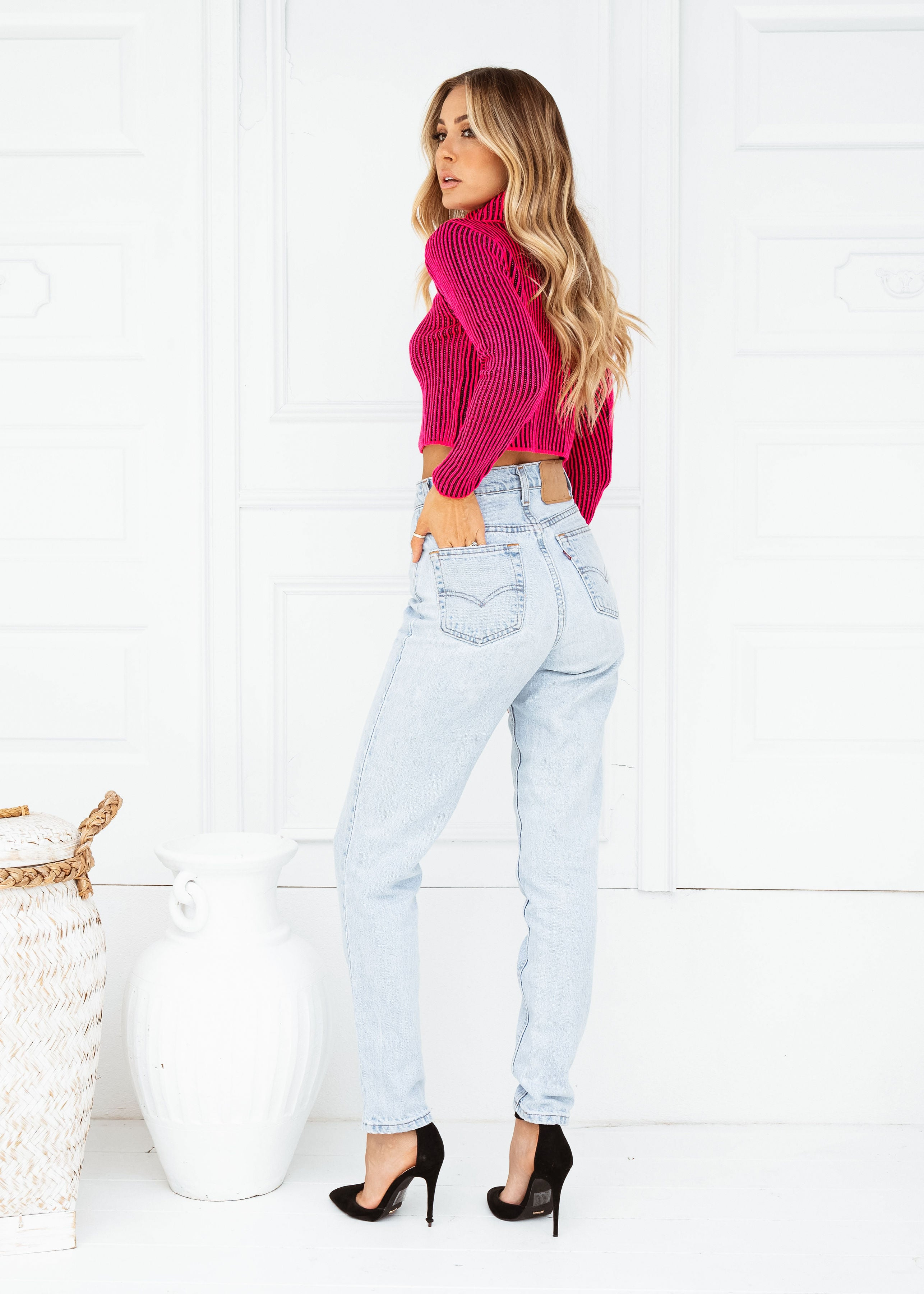 CITY GIRL CROPPED SWEATER