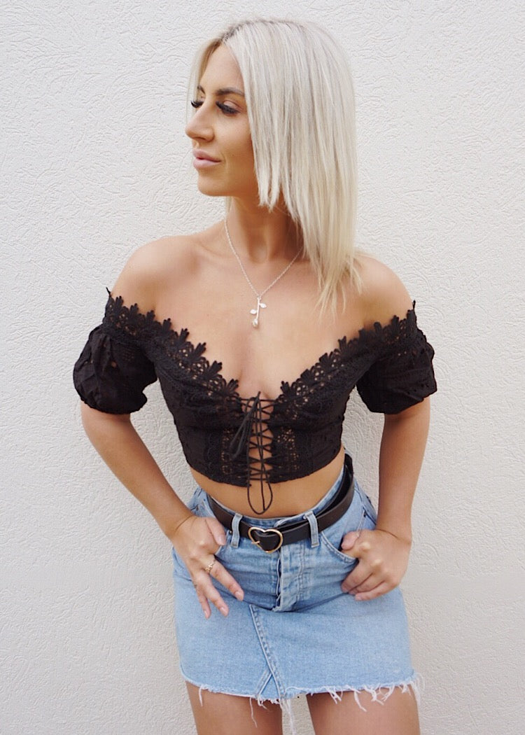 ZENNIA CROP TOP - BLACK