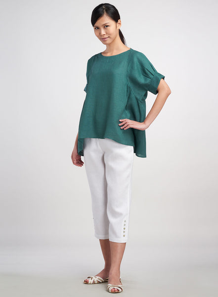 Comfortable linen top in boxy style