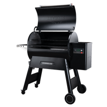 "Load image into Gallery viewer, Traeger ""Ironwood 885 Pellet Grill"""