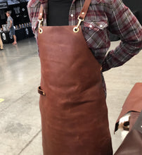 "Load image into Gallery viewer, Maka Leathergoods ""3/4 Leather Apron"""