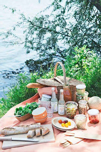 4 Upscale Picnic Ideas For an Unforgettable Summer