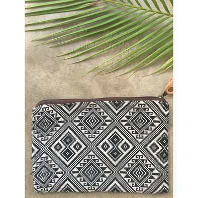 Navajo Zip Purse in Black and White Diamonds
