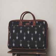 Load image into Gallery viewer, Ikat Arrow Combo - Laptop Bag & Chain Wallet