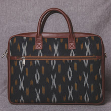 Load image into Gallery viewer, Ikat CliYel Laptop Bag - back