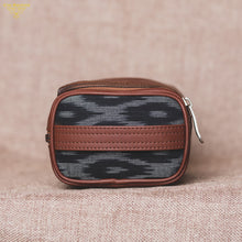 Load image into Gallery viewer, Travel Kit - Ikat BlckMesh(Side)