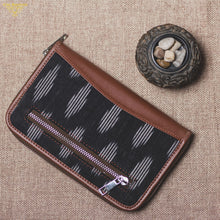 Zouk Ikat Striped Black Chain Wallet - Back View