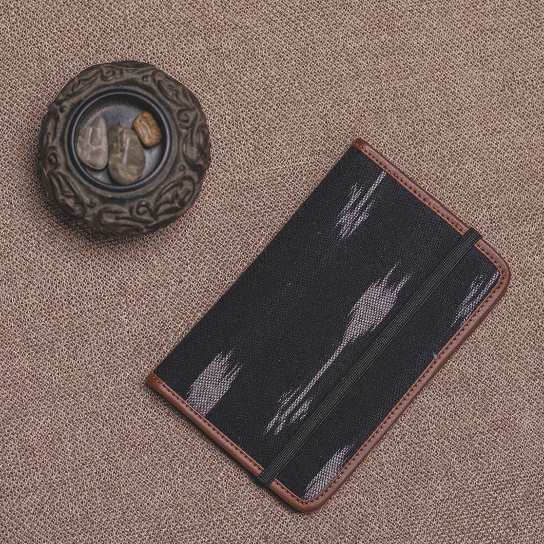 Passport Holder - Ikat Arrow