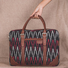 Load image into Gallery viewer, Messenger - Ikat MaroWave Laptop Bag
