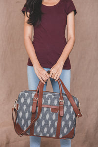 Messenger - Ikat Grey Striped Laptop Bag