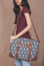 Load image into Gallery viewer, Messenger - Ikat Grey Striped Laptop Bag