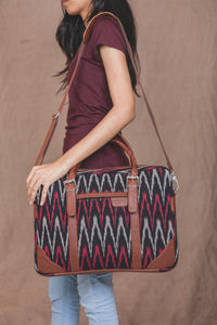 Messenger - Ikat MaroWave Laptop Bag