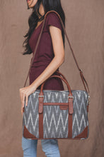 Messenger - Ikat Grey MultiWave Laptop Bag