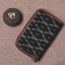 Load image into Gallery viewer, Classic Zipper Wallet - Blck Mesh