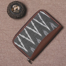 Load image into Gallery viewer, Ikat Grey MultiWave Chain Wallet