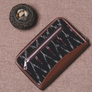 Ikat Black Multi Maze Chain Wallet